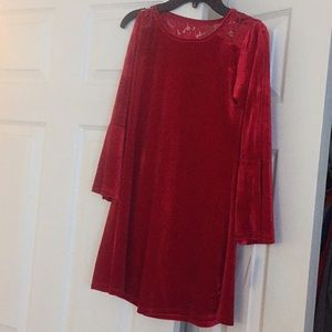 Simply styled girls velour cold shoulder dress